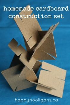 Toddlers and Preschoolers who love to build will enjoy this homemade cardboard construction set. Raid your recycle bin for sturdy cardboard to make this homemade building set. It's great for fine motor skills, to challenge your kids critical thinking. Happy Hooligans, Diy For Kids, Crafts For Kids, Crafts Toddlers, Cardboard Crafts, Diy Projects With Cardboard, Cardboard Play, Cardboard Sculpture, Homemade Toys