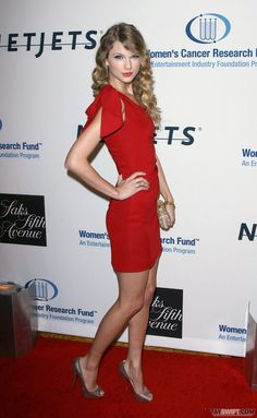 Taylor Swift Web Photo Gallery: Click image to close this window Taylor Swift Gallery, Taylor Swift Hot, Taylor Swift Pictures, Woman Wine, Female Character Design, Saks Fifth Avenue, Female Characters, Photo Galleries, Bodycon Dress