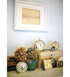vintage clocks: i love them. (until they randomly start ticking and i believe that there is a bomb in my apartment and i am seconds away from imminent death.)-->true story.