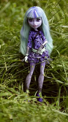 Monster High Twyla doll from the new monster high movie 13 wishes