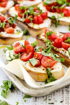 Summer tomatoes, garden fresh basil and fresh mozzarella combine to create this delectable Warm Caprese Toast. It's a perfect party appetizer or light summer meal. Quick And Easy Appetizers, Appetizers For Party, Appetizer Recipes, Clean Eating Snacks, Healthy Snacks, Light Summer Meals, Tostadas, Comida Latina, Chickpea Recipes