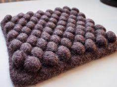 neulovat nakit: Pampula-pannunalunen Chrochet, Knit Crochet, Ravelry, Chocolate, Knitting, Desserts, Handmade, Diy, Crafts