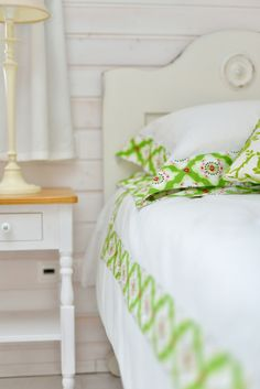 For information on the full bedlinen collection from Catherine's Vineyard Cottages and ordering please email us at catherine@catherinescottages.com.