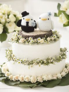 Crochet Lovebirds Cake Topper- YAY! I have this pattern and am planning on making it using my own wedding colors/special yarns.