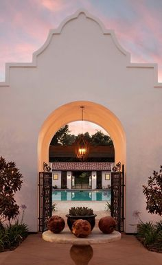 Golf, tennis and spa days come easy at this Mission-style retreat built into Ojai's rolling green hillsides. Spanish Style Homes, Spanish House, Spanish Colonial, Spanish Revival, California Missions, Ojai California, Mexican Hacienda, Hacienda Style, Ojai Valley Inn And Spa