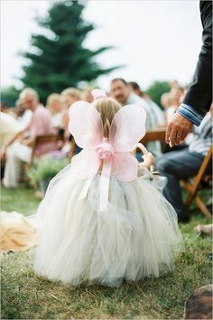 Omg I am going to get my girls wings for my wedding!!