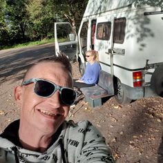 De zon scheen Camper, Pilot, Aviation, Mens Sunglasses, Caravan, Travel Trailers, Pilots, Men's Sunglasses, Motorhome