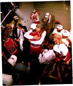Michael Jordan & Phil Jackson hug