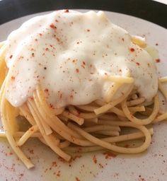 Spaguetti en salsa blanca... Simple y elegante.