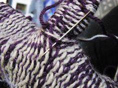 Koti kuusen alla: Muutama sananen kirjoneuleen tekemisestä Joko, Friendship Bracelets, Knitting, Hair Styles, Beauty, Collection, Patterns, Fashion, Hair Plait Styles