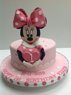 Minnie Mouse - by blackberry @ CakesDecor.com - cake decorating website