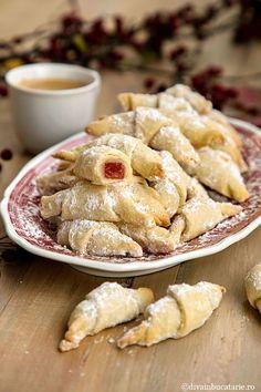 Biscotti, Apple Pie, Camembert Cheese, Recipies, Good Food, Sweets, Cookies, Bun Bun, Romania
