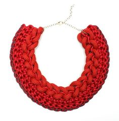bold red necklace (6a00d8341c76e453ef0115721ec9e1970b-500wi (500×510)
