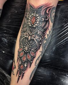 From yesterday ❤️ Elegant Tattoos, Sexy Tattoos, Beautiful Tattoos, Black Tattoos, Body Art Tattoos, Hand Tattoos, Sleeve Tattoos, Tattoos For Women, Tattoos For Guys