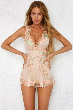 The Chasing Fame Playsuit has a v-neckline with a lace up detail and a scalloped edge trim. With a slightly padded bust for shape and support and an invisible zipper running through the back. Style with a nude, open toe pump! Sexy Outfits, Sexy Dresses, Short Dresses, Girl Outfits, Casual Outfits, Cute Outfits, Fashion Outfits, Pink Playsuit, Romper Dress