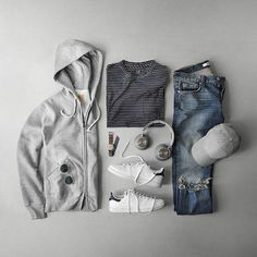 Wear corduroy pants, it promotes touching. Fashion Advice, Fashion News, Men's Fashion, Mode Man, Best T Shirt Designs, Creative Shirts, Best Mens Fashion, Men Style Tips, Fashion Photo