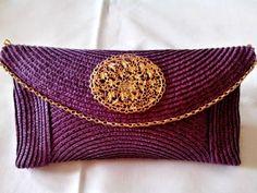 Diy, Beauty & Delicious: Diy: Bolso de mano o Clutch. Diy Clutch, Clutch Bag, Clutch Handbags, Creation Couture, Diy Accessories, Handmade Bags, Homemade Gifts, Continental Wallet, Straw Bag