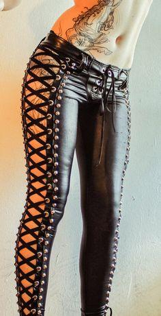Dark Fashion, Gothic Fashion, Latex Fashion, Style Fashion, High Fashion, Mode Outfits, Sexy Outfits, Leather And Lace, Leather Pants