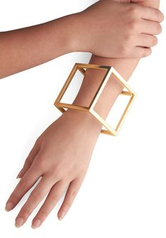 The Shape of Things Bracelet... it's a flipping cube!