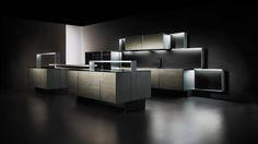 La plus noble de toutes les cuisines Poggenpohl, la cuisine Porsche Design P´7340 présente une façade inédite. Poggenpohl est le premier cuisiniste au monde à utiliser le carbone dans l'aménagement des façades.