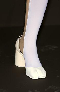 "acne—studios: "" Maison Martin Margiela Spring/Summer 2004 Two-tone tabi pumps "" Tabi Shoes, Sock Shoes, Shoe Boots, Crazy Shoes, Me Too Shoes, High Fashion, Fashion Shoes, Fashion Women, Zapatos Shoes"