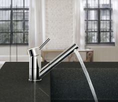 Deck-mounted sink mixer with pull-out shower, Chrome finishing