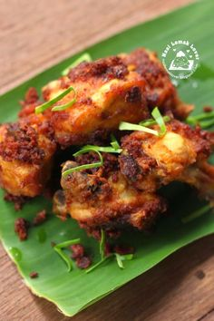 I love this type of Malay fried chicken, full of herbs and spices, so aromatic! Whenever I attending Malay wedding, I am sure looking .