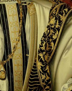 RENAISSANCE PAINTING 16TH   Clouet,Jean  Francois I, King of France (1494-1547). Detail of golden embroidered clothing. For overall view please see 26-01-02/33. Oil on wood (1535) 96 x 74 cm Inv. 3256   Louvre, Departement des Peintures, Paris, France