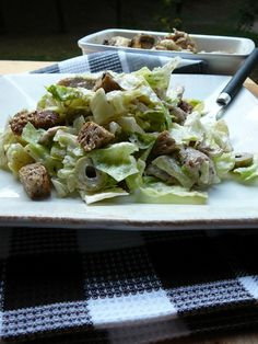 Grillcsirkés cézár saláta Cabbage, Meat, Chicken, Vegetables, Food, Essen, Cabbages, Vegetable Recipes, Meals