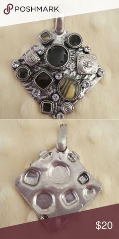 Premier Designs ARTISTIC Enhancer Beautiful piece to wear on your favorite necklace. Magnetic clasp attaches easily to most necklaces. Would look cute on scarf as well. Add some sparkle to your outfit! Excellent condition. Premier Designs Jewelry Necklaces