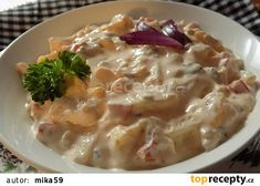Tvarůžková pochoutka recept - TopRecepty.cz Cheeseburger Chowder, Macaroni And Cheese, Soup, Meat, Chicken, Ethnic Recipes, Mac And Cheese, Soups, Cubs