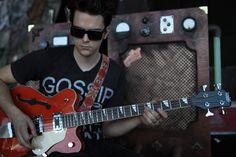 dallon weekes preforming | Dallon Weekes (Panic at the Disco) – Classic 4 Bass