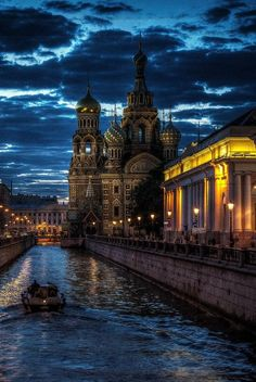 our-amazing-world:  Saint Petersburg, Ru Amazing World