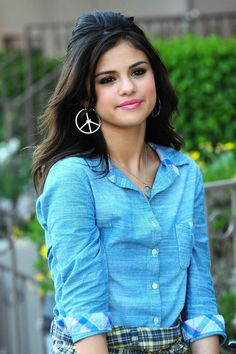 SELENA GOMEZ in blue | Fanclub Photos Videos News Quizzes Pages Links