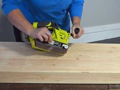 Build a rustic console table from simple lumber. Free plans and building tutorial. Woodworking Table Plans, Best Woodworking Tools, Woodworking Projects Diy, Rustic Console Tables, Rustic Coffee Tables, Wood Table, 2x4 Wood Projects, Diy Furniture Projects, Diy Entryway Table