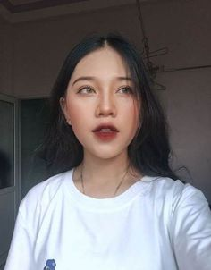 Korean makeup tips - When you begin to style your own hair, work in groups, star. - List of the most beautiful makeup Korean Makeup Look, Korean Makeup Tips, Korean Makeup Tutorials, Asian Makeup, Korean Makeup Ulzzang, Eye Makeup Glitter, Makeup Eyeshadow, Hair Makeup, Pink Makeup
