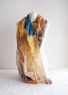 Hand painted silk scarf Lothlorien, inspired by LOTR, Lord of the Rings books!  Find it on ETSY: https://www.etsy.com/listing/201150638/silk-scarf-lothlorien-lothlorien-scarf?ref=shop_home_feat_1 #minkulul #silkscarf