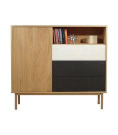 Aparador de color natural con 1 puerta, 2 cajones en color blanco y otro en color negro con sistema push y 1 estante. Dimensiones de 141x125x36 cm