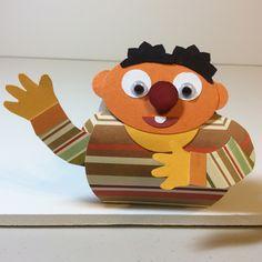 Ernie on a curvy keepsake bos
