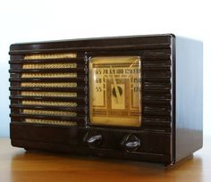 Vintage Art Deco Transitone Bakelite Radio 1930s-1940s