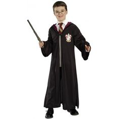 Harry Potter Accessories Kit Includes character eyeglasses and wand. Perfect accessory for your harry potter party. For ages 4 and above. This is an officially licensed harry potter™ costume. Fantasia Do Harry Potter, Harry Potter Fancy Dress, Harry Potter Robes, Maske Halloween, Halloween Costumes For Kids, Halloween Recipe, Halloween Makeup, Women Halloween, Halloween Projects
