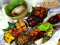 Nasi Liwet Ala De'Tuik Resto & Resort Bojong Koneng