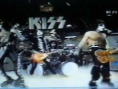 "K I ϟ ϟ  1982 Italian Tv. "" I love it loud"" (Discoring) -wow, memories! i was actually in the audience watching this!"