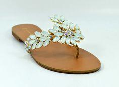 Maithe Luxury Shoes - Ras_25208_versaoA #verao2015 #white #chique #rasteira #sandalia #love