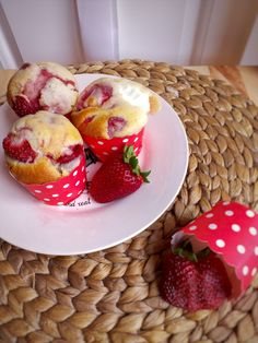 Sweet Recipes, Muffins, Food And Drink, Strawberry, Cupcakes, Sweets, Fruit, Cooking, Breakfast