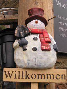 Blog powstał z myślą o wszystkich opiekunkach osób starszych, które wyjeżdżają do pracy w Niemczech. Bottle Opener, Blog, Wall, Key Bottle Opener, Blogging