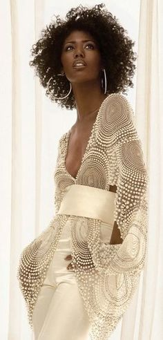 Amazing! White lace tunic, someone please make this for me and send it ASAP. I am in love!  -TB