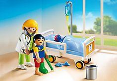 Chambre d'enfant avec médecin