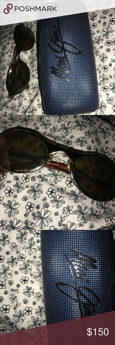 Maui Jim vintage sunglasses from California Authentic Maui Jim vintage sunglasses from cali. Very small scratches can still be completely seen through. Very lightly worn. With case! Maui Jim Accessories Sunglasses