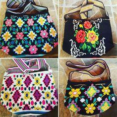 #mochilaswayuu1ebra #diseñoespeciales #wayuu #artesanias #wayuu #arte #tejidoamano #modawayuu #mochilabag #envios #alpormayor #yemalkartesaniaswayuu #yemalkartesanias
